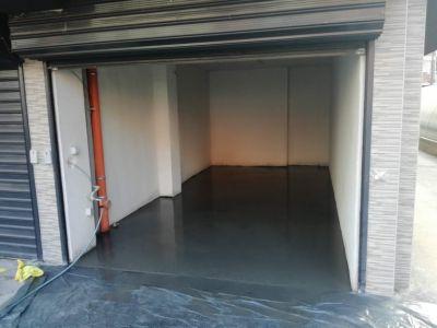 Саморазливна замазка за гаражи