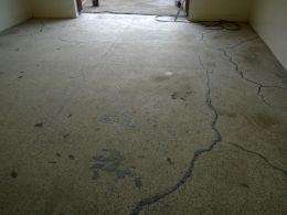 Фигиране и запълване на дупки и пукнати на стар мозаечен под - Lux настилки - Плевен